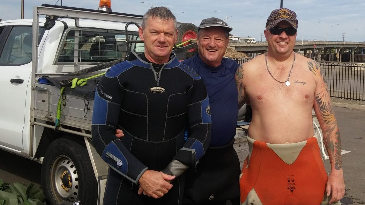 BSAC volunteer divers after checking on Inner Harbour trial reef